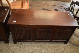 20TH CENTURY PANELLED BLANKET BOX WITH LINENFOLD DECORATION, LENGTH APPROX 114CM
