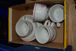 BOX CONTAINING CERAMIC KITCHEN WARES, CUPS AND SAUCERS ETC