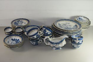 QUANTITY OF BOOTHS OLD REAL WILLOW DINNER AND TEA WARES COMPRISING DINNER PLATES, SIDE PLATES, SIX
