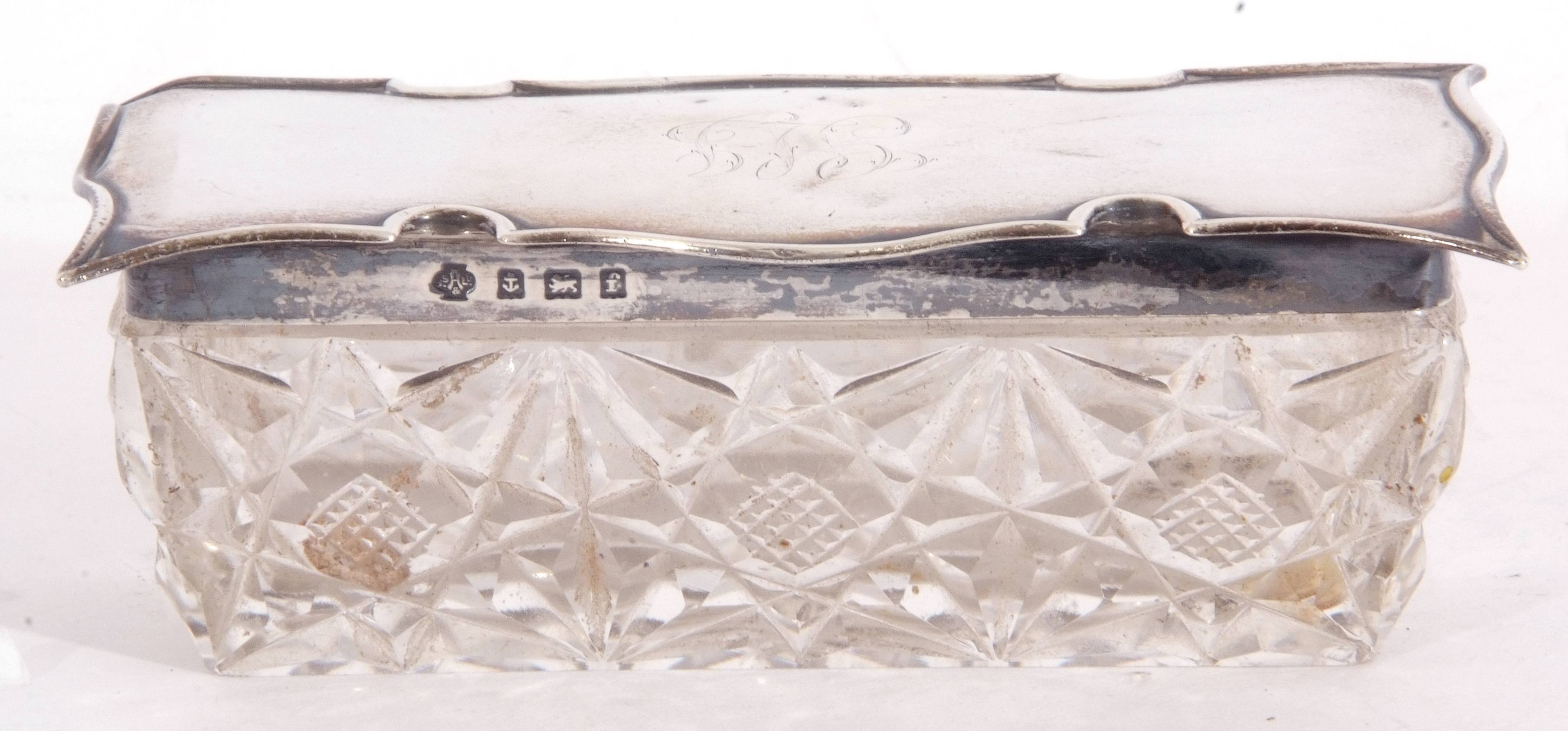 Edward VII silver lidded and glass trinket box of rectangular form, the cut glass base with shaped - Image 5 of 5