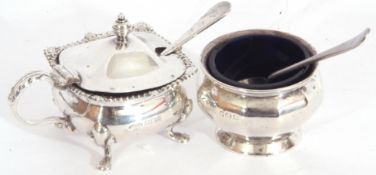 Mixed Lot: small silver mustard, square form, hinged lid with urn finial, blue glass liner and