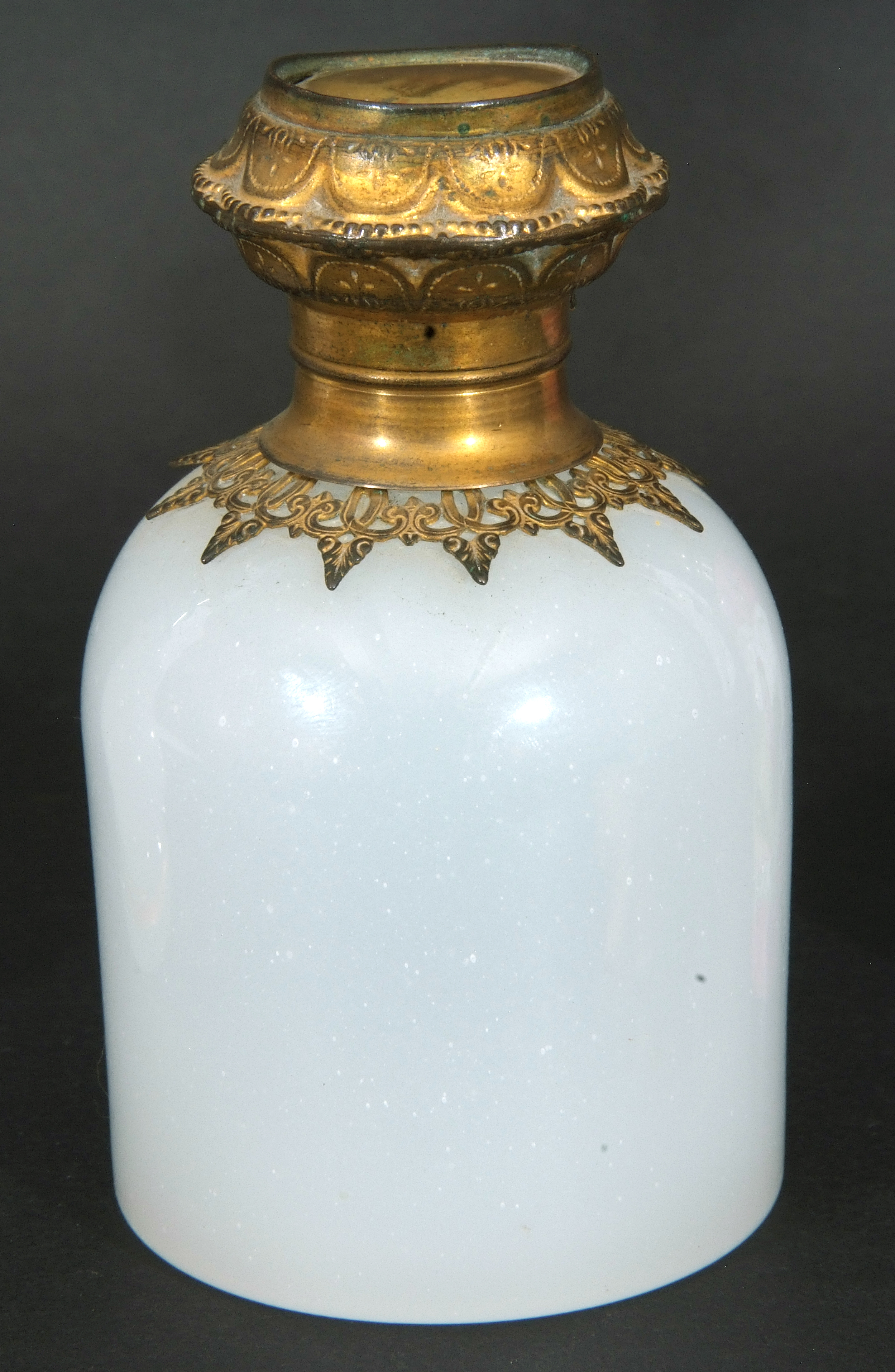 Mixed Lot: 19th century milk glass scent bottle with gilt metal hinged lid with inset to cap, a - Image 7 of 12