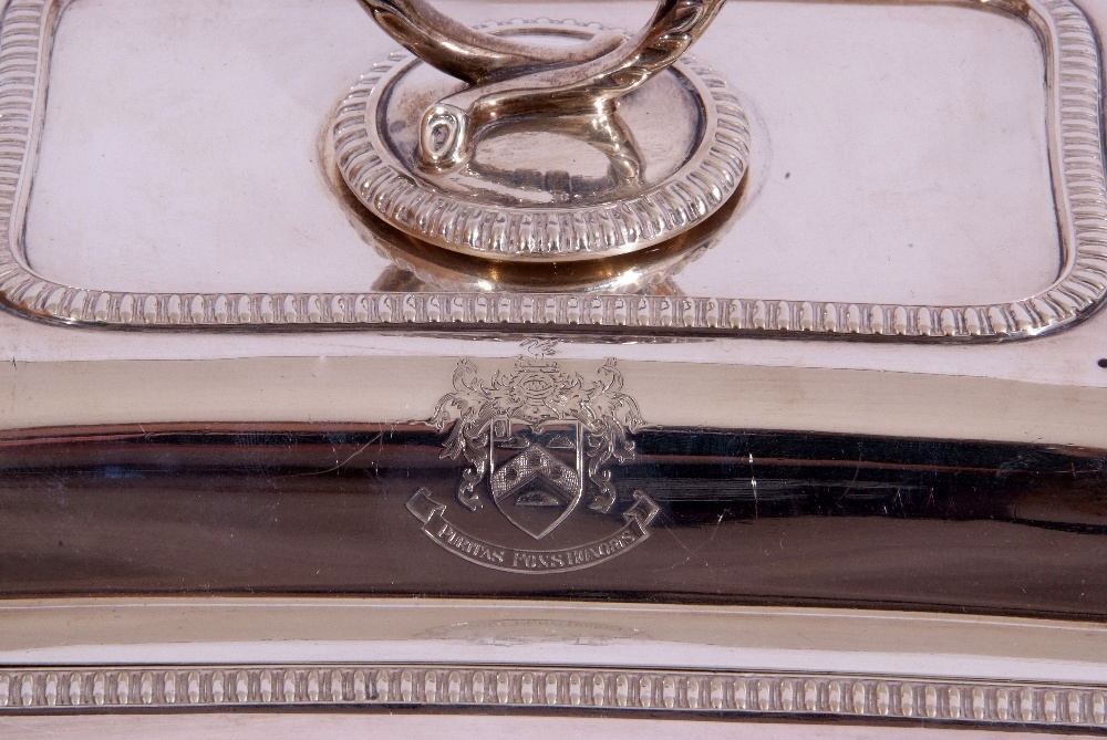 George V hallmarked small silver entree dish and lid of rectangular shape, applied gadrooned - Image 5 of 9