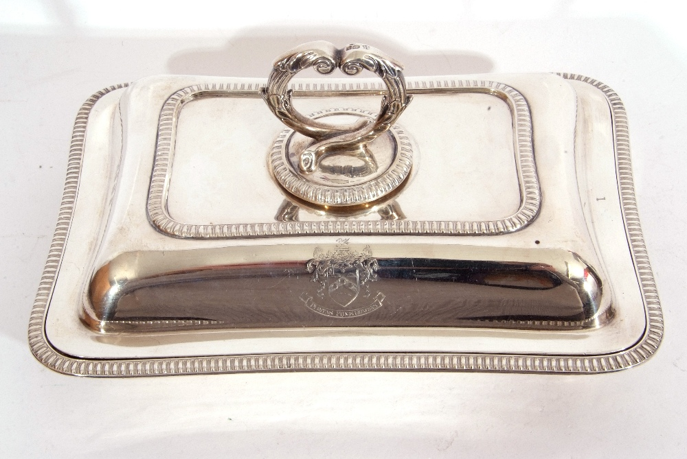 George V hallmarked small silver entree dish and lid of rectangular shape, applied gadrooned - Image 3 of 9