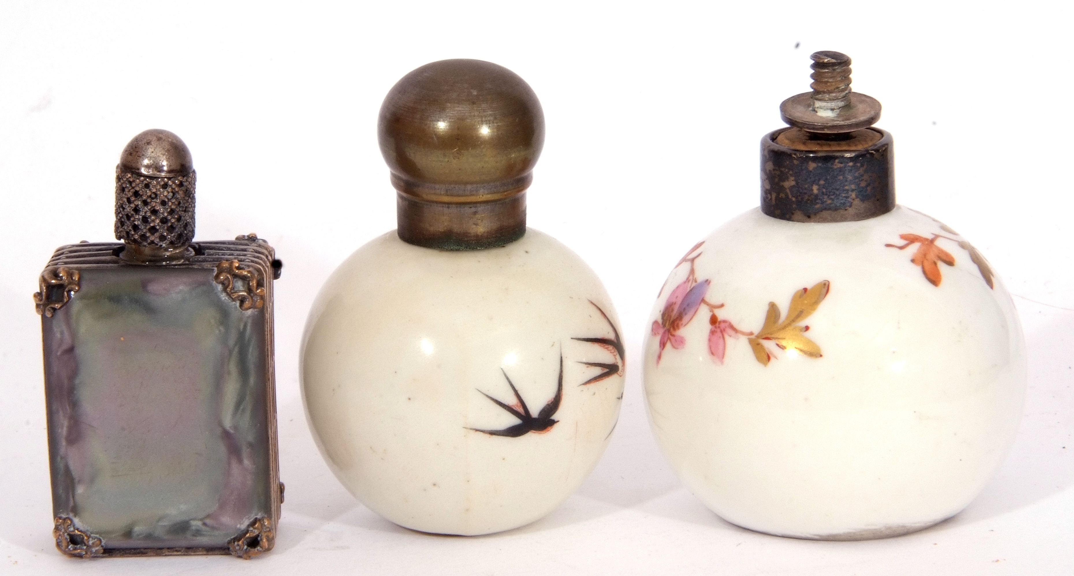 Mixed Lot: scent bottles to include a hand painted porcelain bottle of shield shape, the front - Image 6 of 19