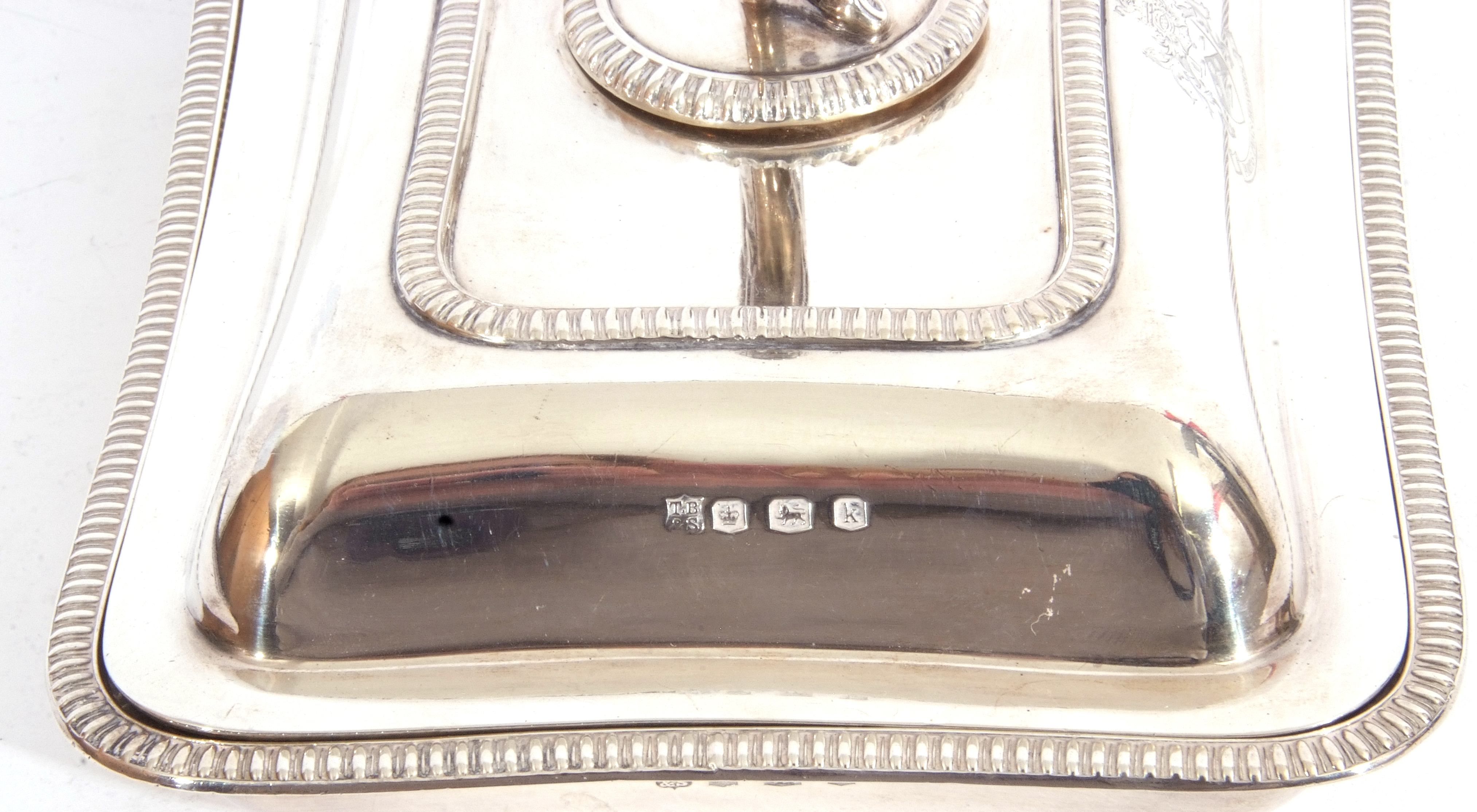 George V hallmarked small silver entree dish and lid of rectangular shape, applied gadrooned - Image 9 of 9