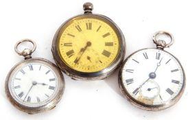 Mixed Lot: Victorian silver open face pocket key wind watch, white enamel dial (a/f), black Roman