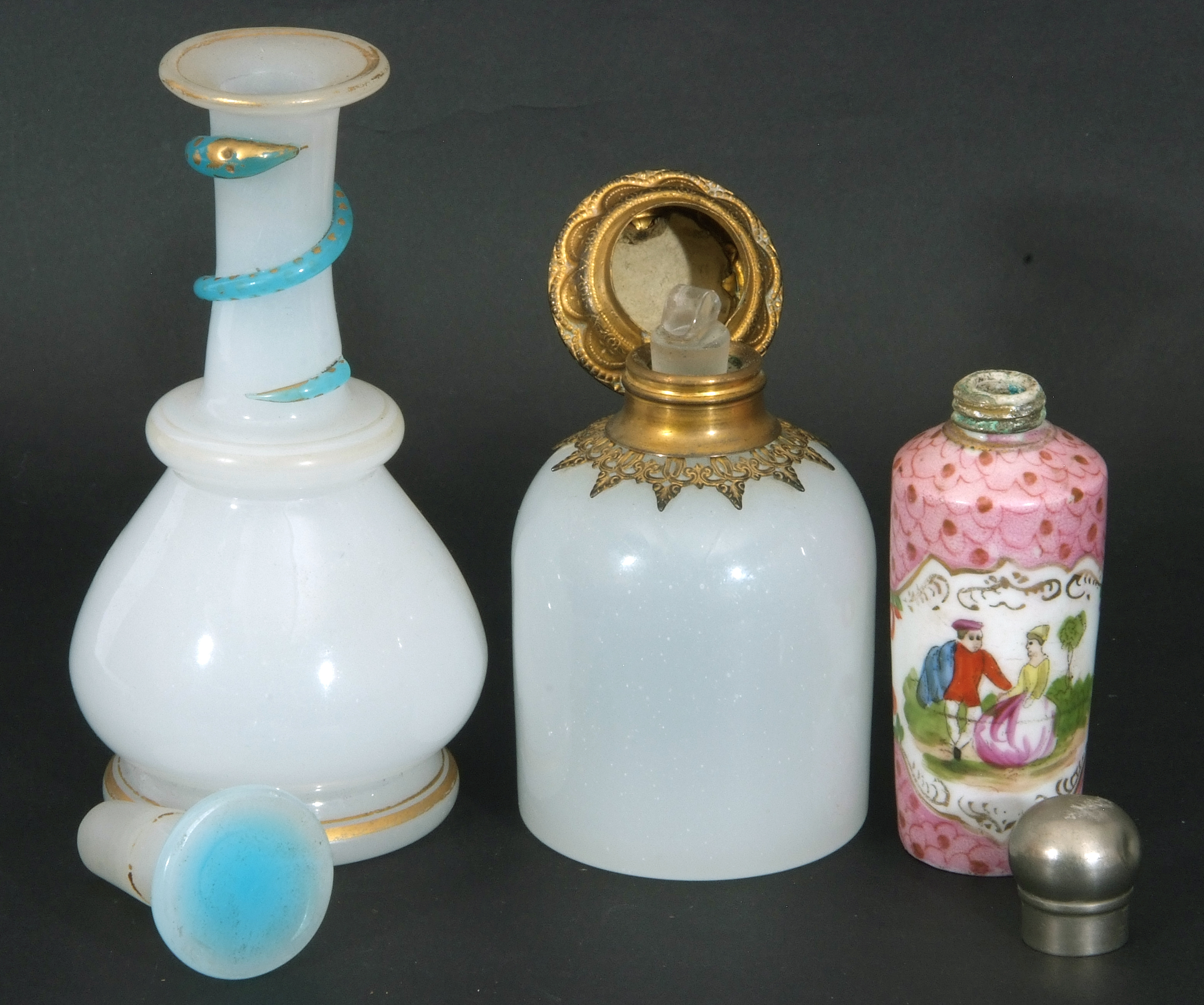 Mixed Lot: 19th century milk glass scent bottle with gilt metal hinged lid with inset to cap, a - Image 12 of 12