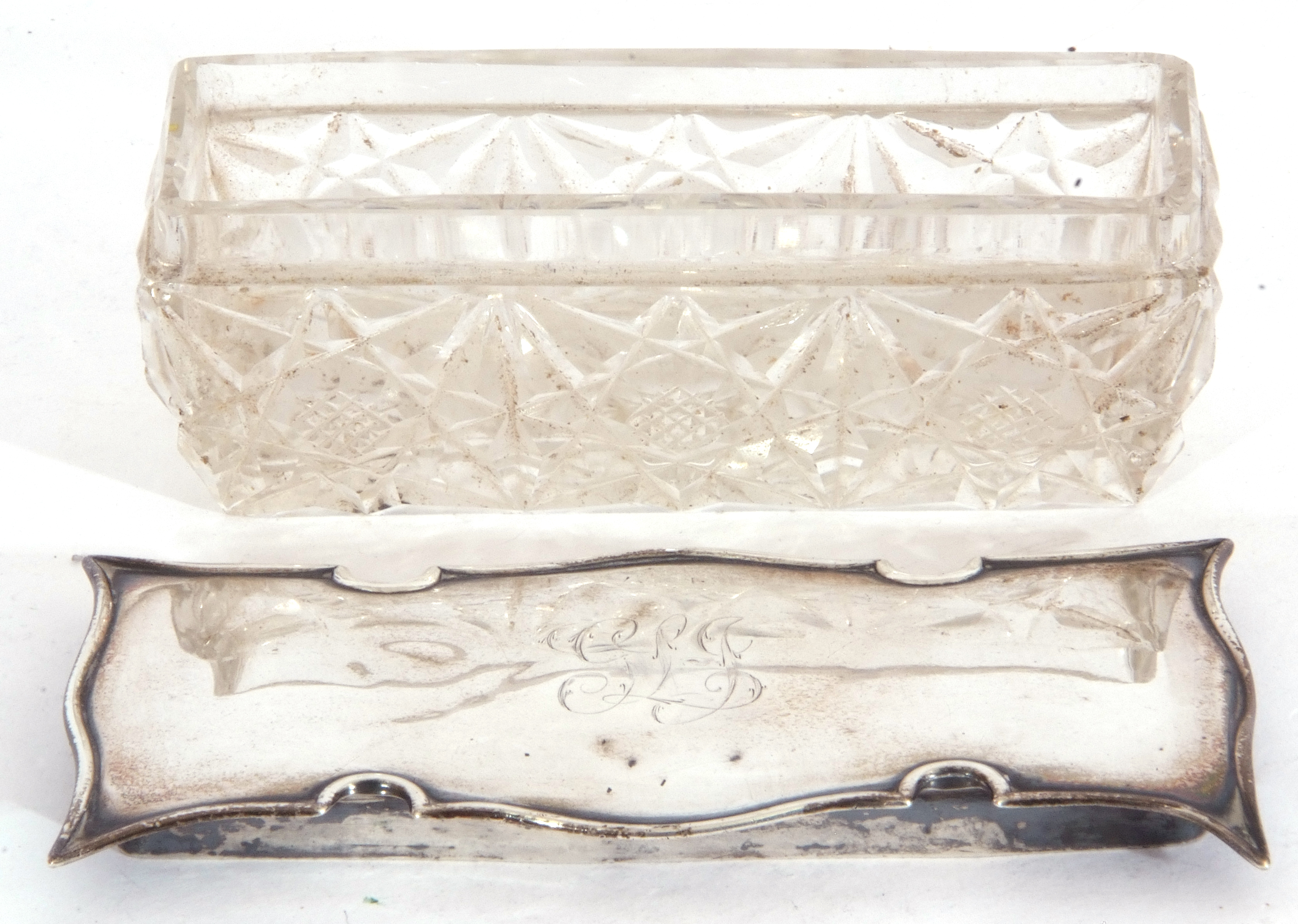 Edward VII silver lidded and glass trinket box of rectangular form, the cut glass base with shaped - Image 4 of 5