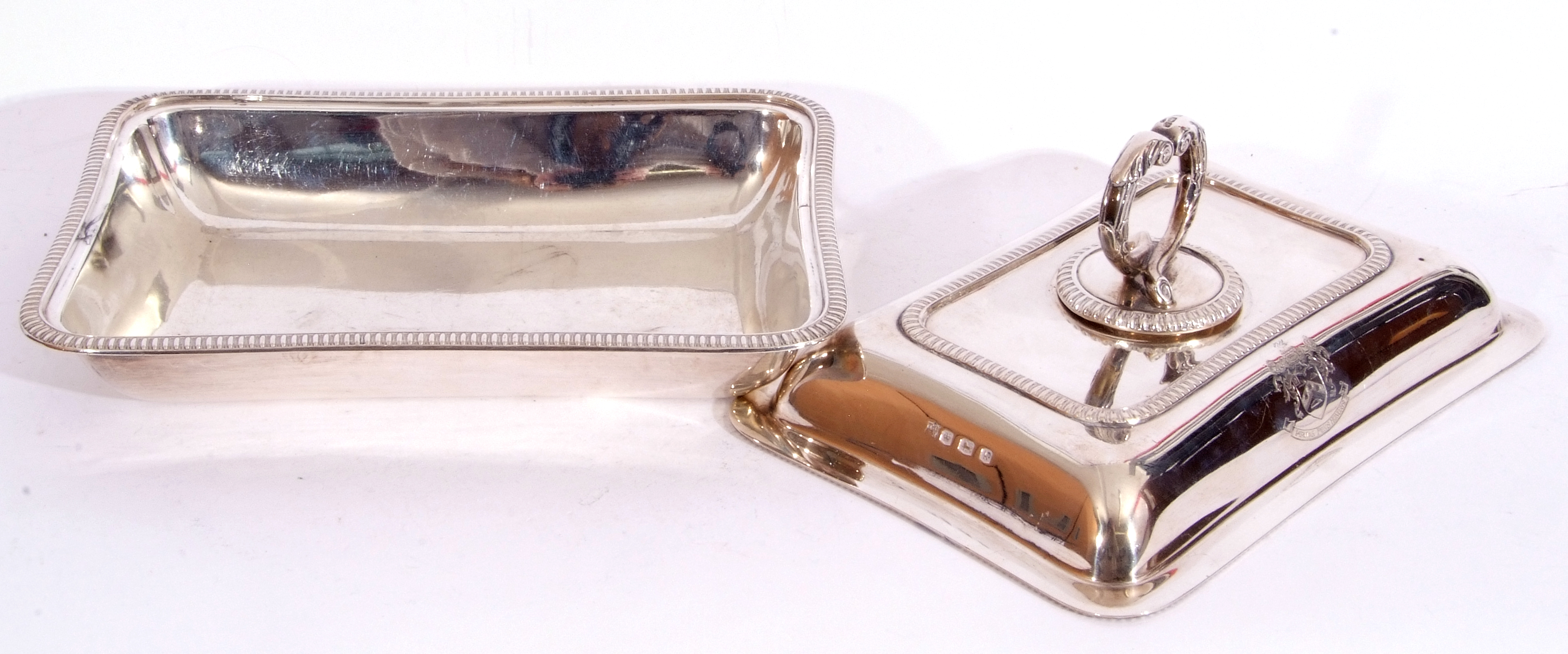 George V hallmarked small silver entree dish and lid of rectangular shape, applied gadrooned - Image 7 of 9