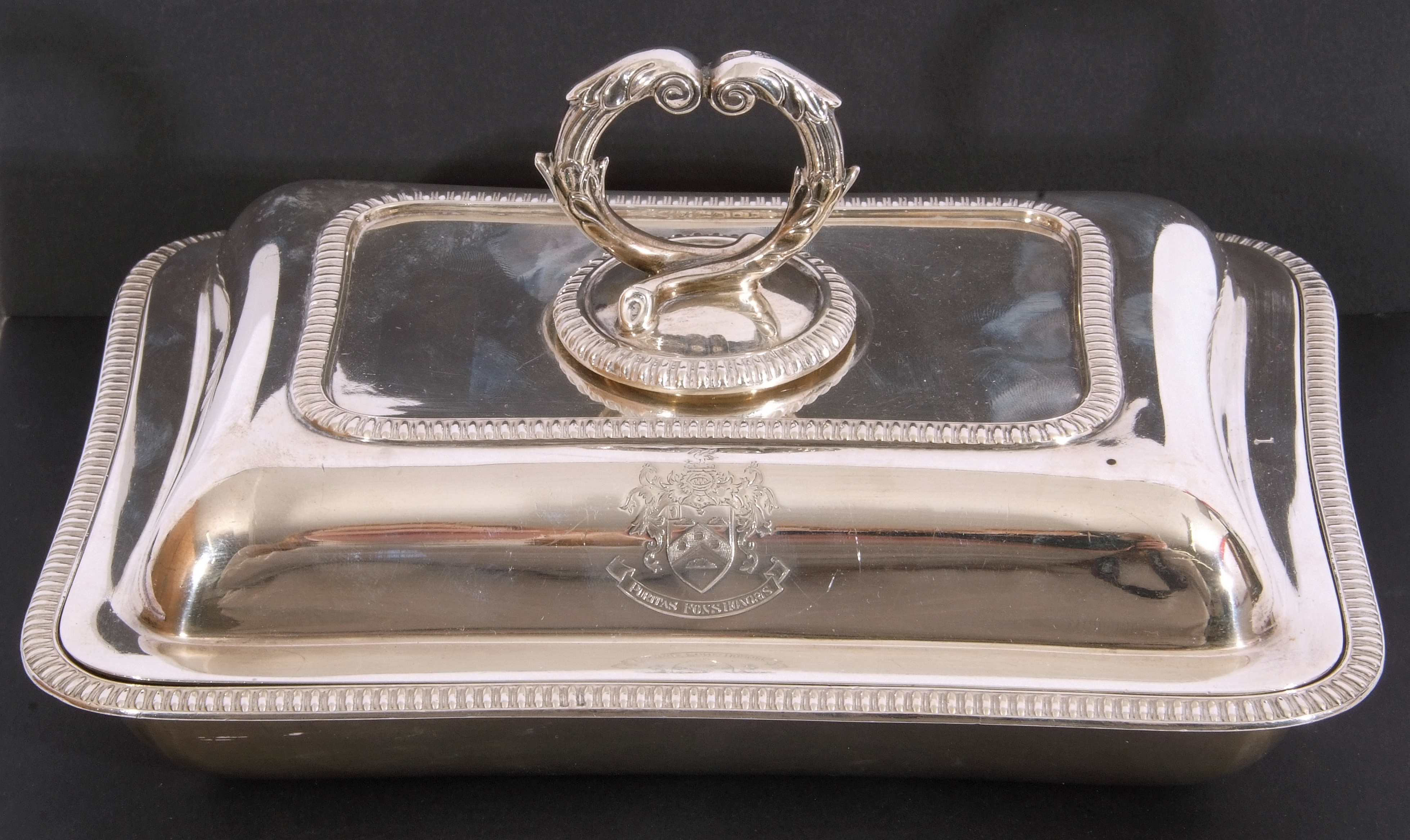 George V hallmarked small silver entree dish and lid of rectangular shape, applied gadrooned - Image 2 of 9