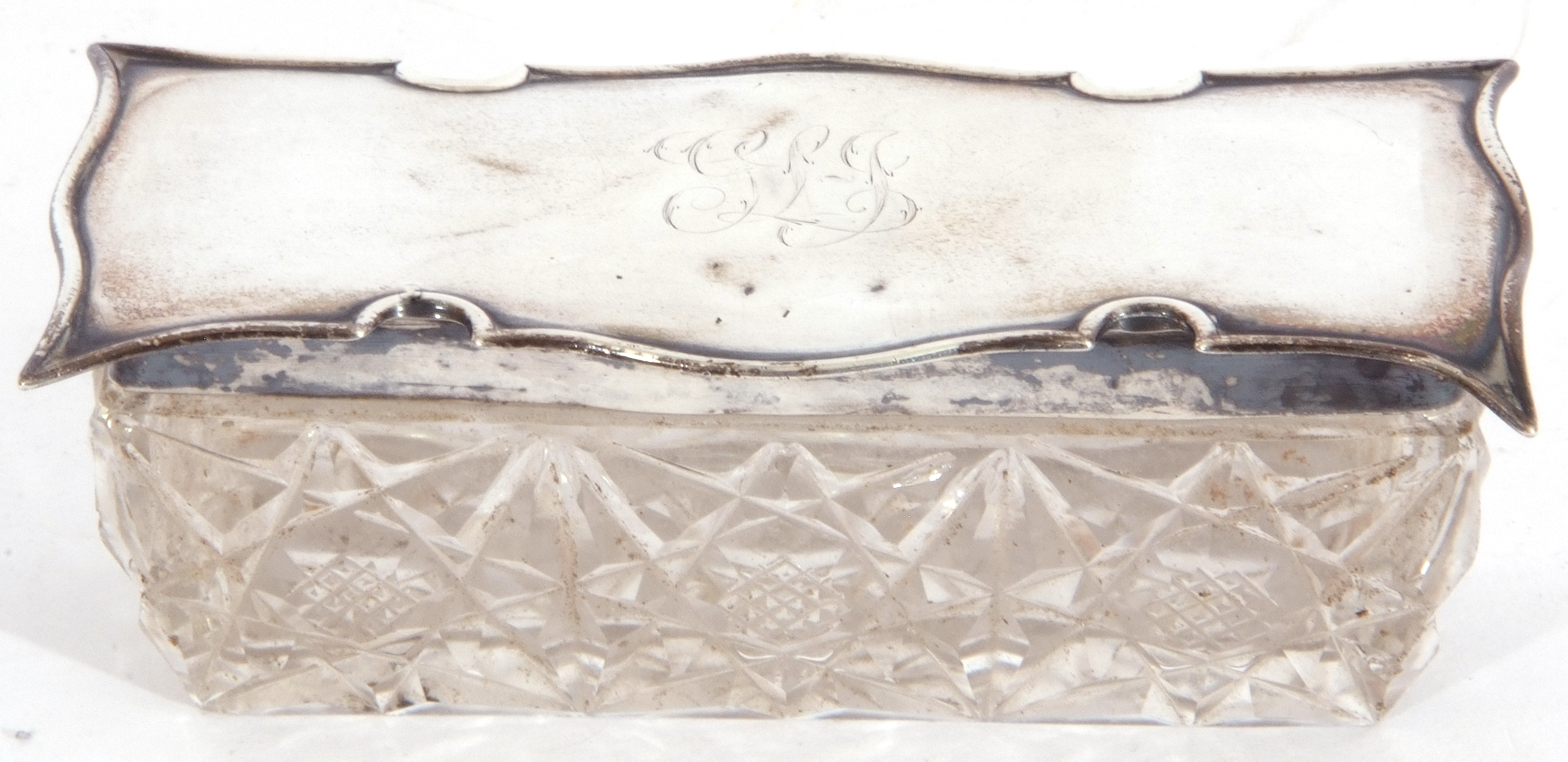 Edward VII silver lidded and glass trinket box of rectangular form, the cut glass base with shaped - Image 2 of 5