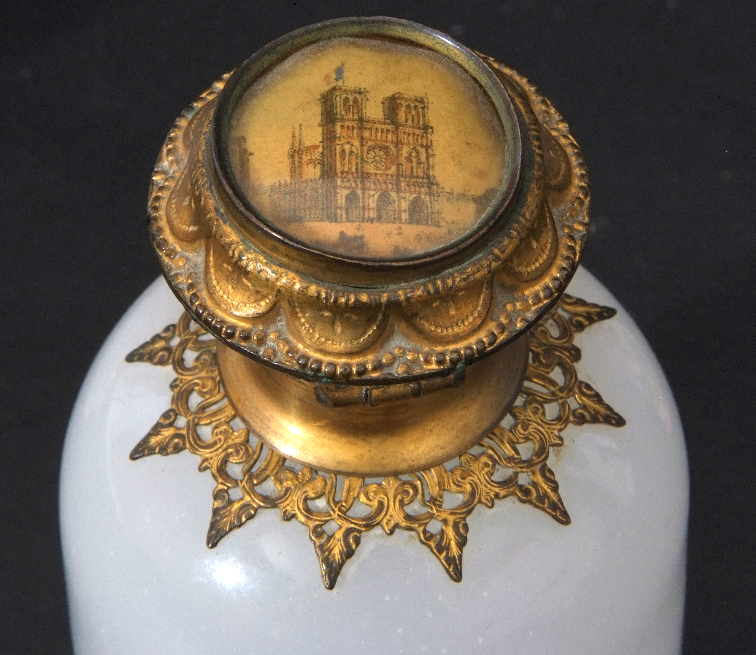 Mixed Lot: 19th century milk glass scent bottle with gilt metal hinged lid with inset to cap, a - Image 8 of 12