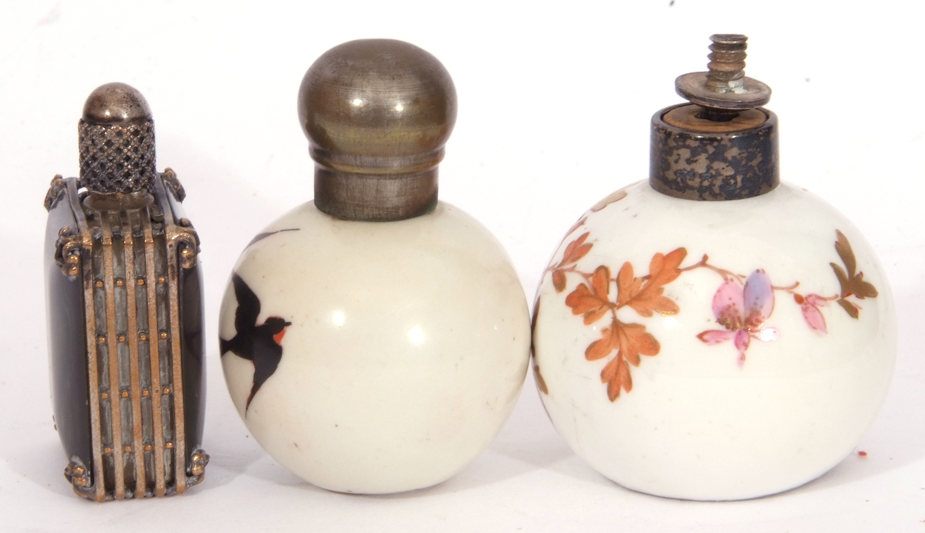 Mixed Lot: scent bottles to include a hand painted porcelain bottle of shield shape, the front - Image 7 of 19