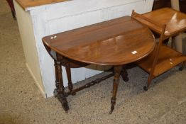 19TH CENTURY OVAL GATE LEG TABLE WITH RING TURNED LEGS AND STRETCHERS, APPROX 88 X 102CM EXTENDED
