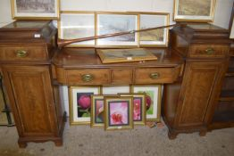 19TH CENTURY TWIN PEDESTAL SIDEBOARD WITH CROSS BANDED AND STRUNG DECORATION, LENGTH APPROX 203CM