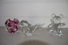 PAPERWEIGHT AND METAL MODELS OF A BIRD AND TEDDY