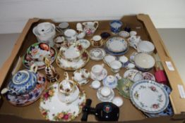 TRAY CONTAINING CERAMIC ITEMS, MAINLY CUPS AND SAUCERS, ROYAL ALBERT OLD COUNTRY ROSES CUP AND