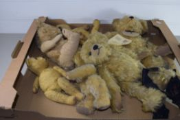 BOX CONTAINING SMALL TEDDIES