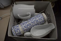BOX CONTAINING KITCHEN CERAMICS, JUGS, GRAVY BOAT ETC