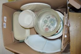BOX WITH KITCHEN CERAMIC WARES, PYREX DISHES ETC