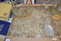 BOX CONTAINING LARGE QUANTITY OF GLASS WARES INCLUDING LARGE GLASS PUNCH BOWL