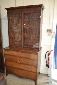EARLY 20TH CENTURY ASTRAGAL GLAZED BOOKCASE WITH DRAWERS BENEATH, WIDTH APPROX 100CM
