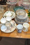 QTY OF CERAMICS, CUPS AND SAUCERS