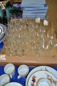 TRAY CONTAINING CHAMPAGNE GLASSES