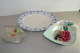 CERAMIC DISH, FURTHER DISH WITH SMALL QUANTITY OF COSTUME JEWELLERY