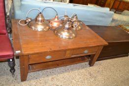 MODERN HARDWOOD COFFEE TABLE, APPROX 128 X 81CM