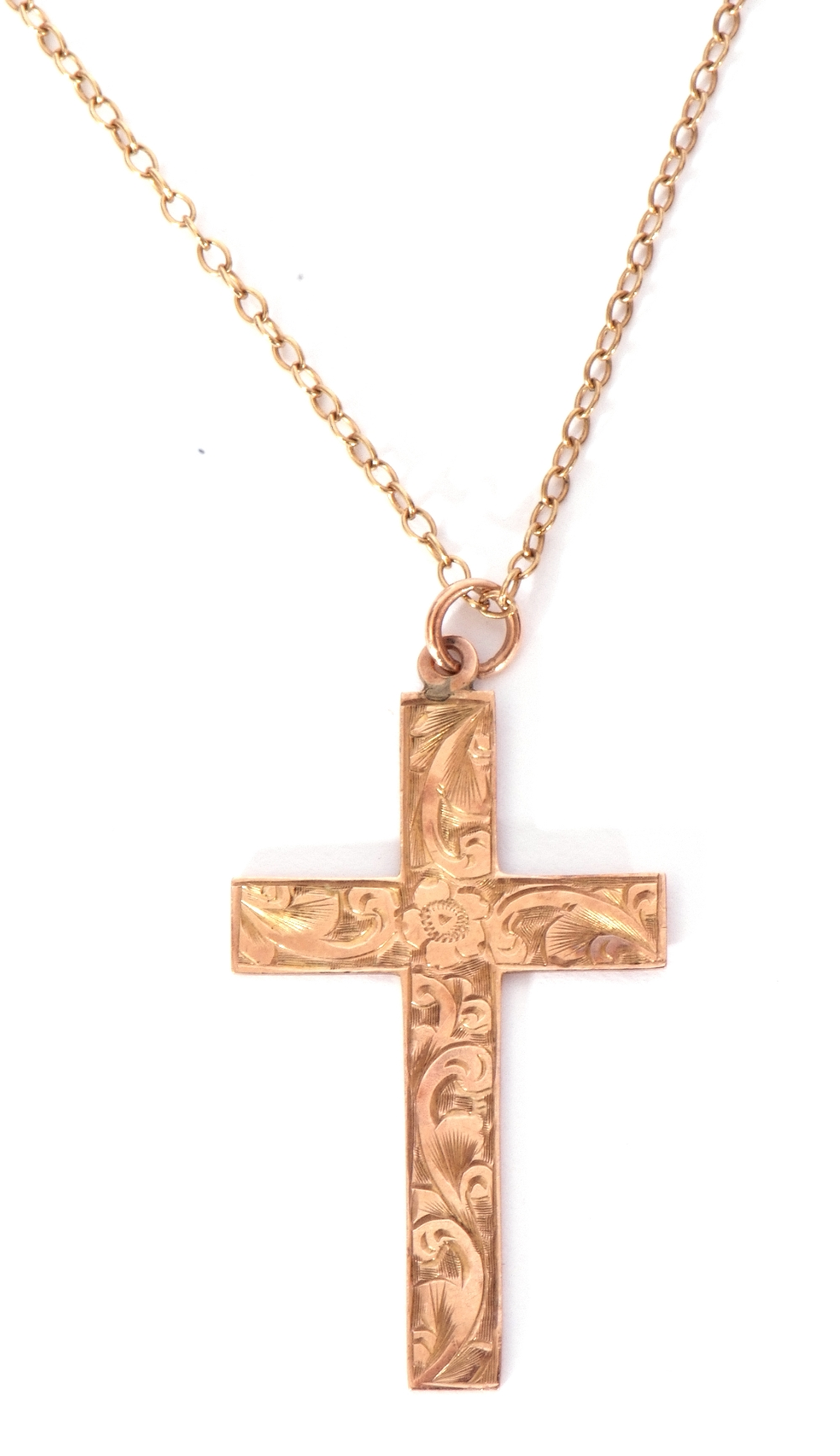 9ct stamped cross pendant, chased and engraved scroll decorated front, 35 x 22mm - Image 4 of 5