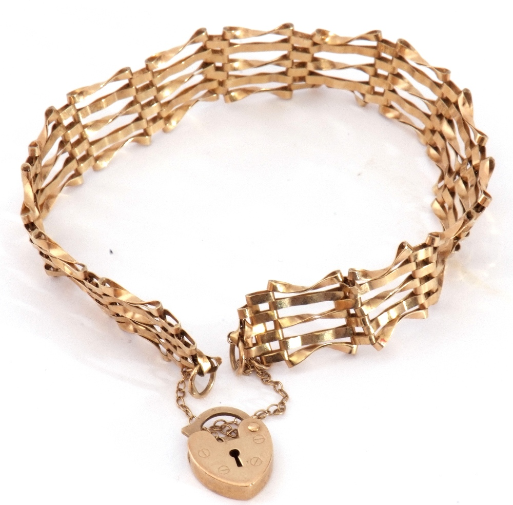 Modern 9ct gold gate bracelet, five bar design with heart padlock and safety chain fitting, 6gms - Image 2 of 5