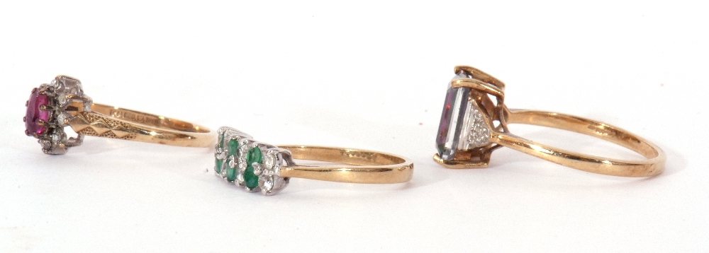 Mixed Lot: 9ct gold pink stone and small diamond cluster ring, a 9ct gold mystic coated topaz and - Image 3 of 8