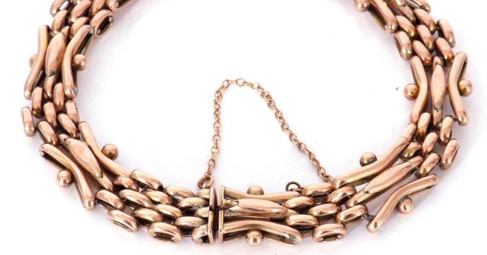Antique 9ct stamped gate bracelet, a three-bar gate link design joined by mesh work design links, - Image 4 of 5