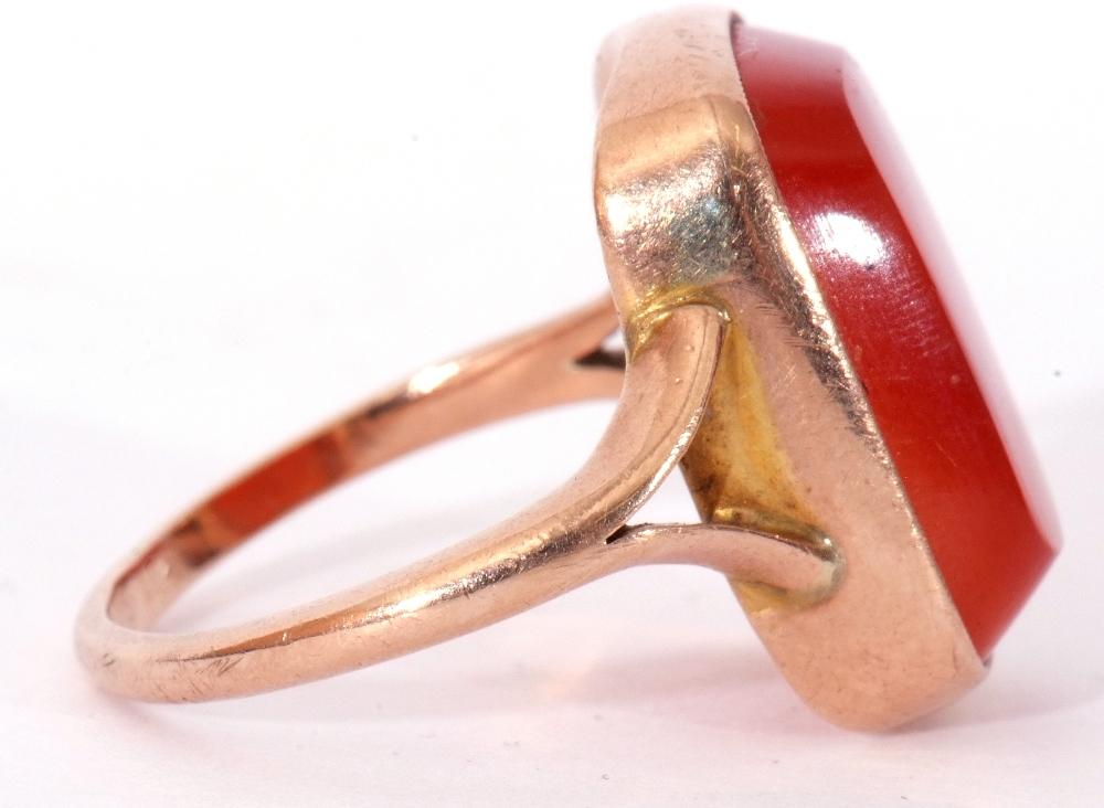 9ct stamped carnelian dress ring, the rectangular cut carnelian 18 x 12mm, bezel set and raised - Image 6 of 10