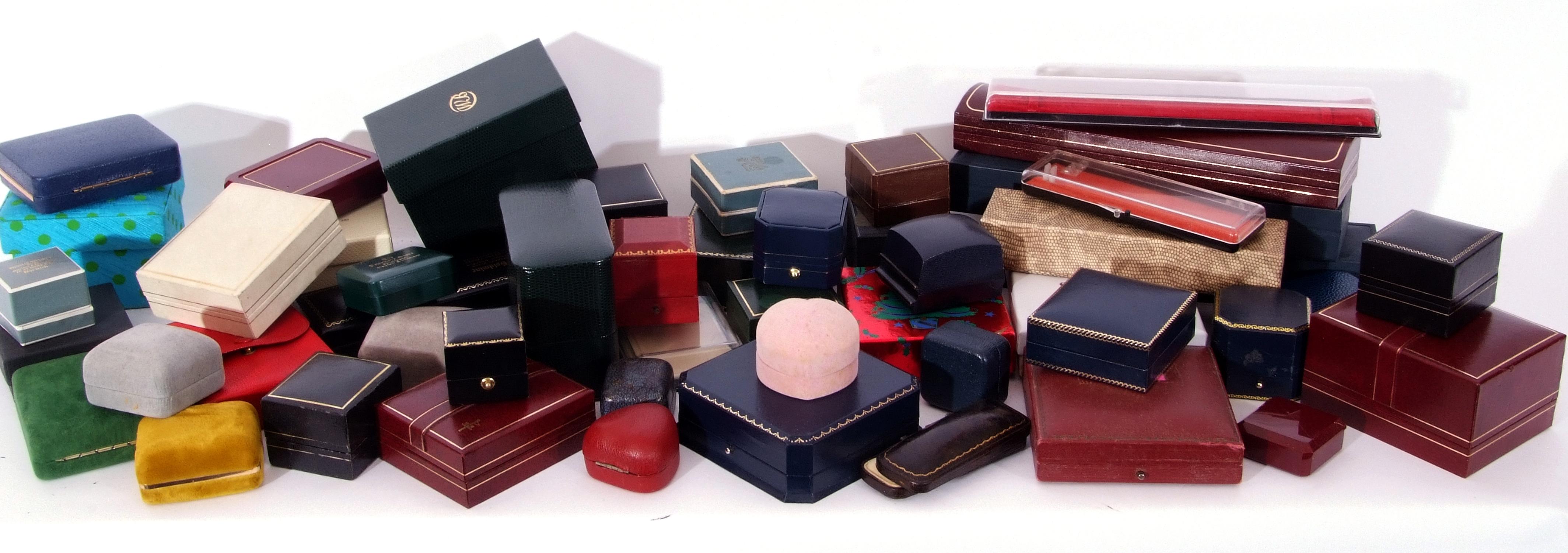 Quantity of jewellery boxes (void)