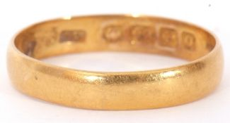 22ct gold plain polished design wedding ring, Birmingham 1938, size O, 2.8gms