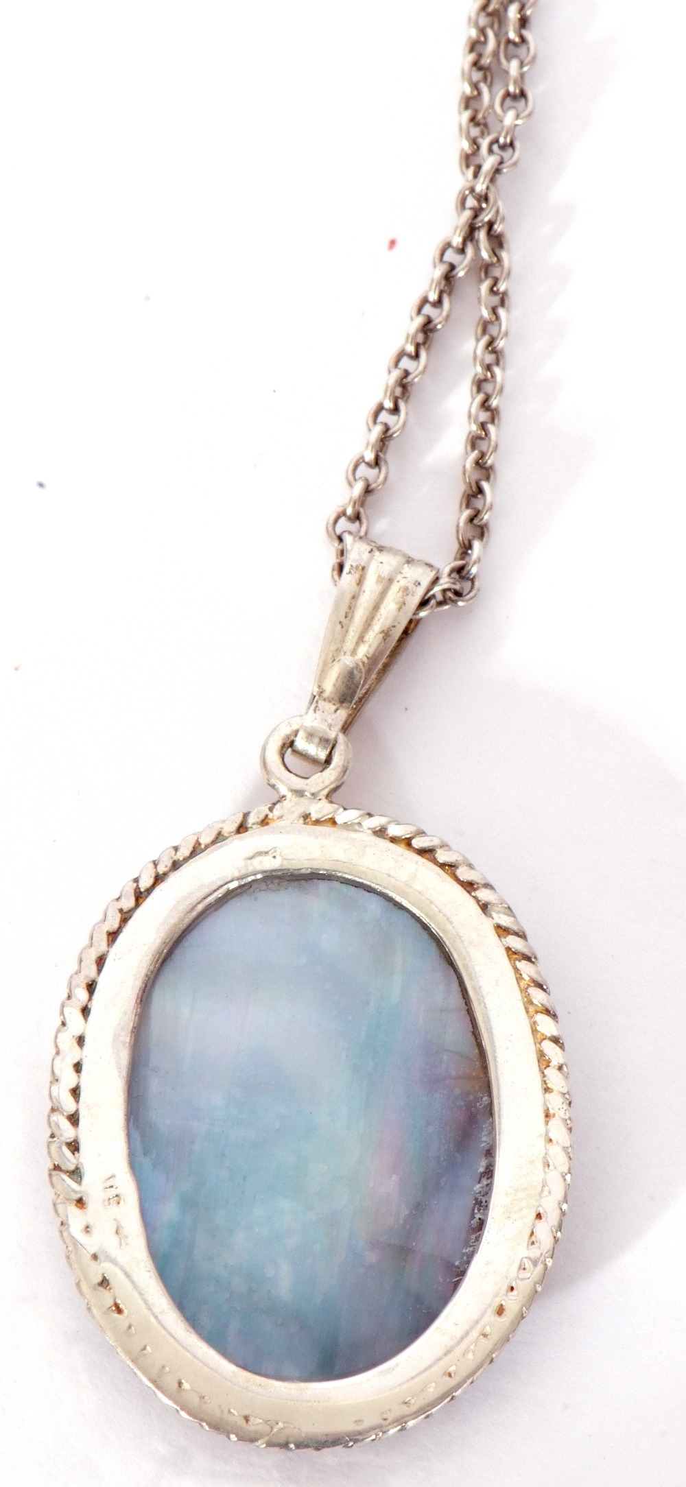 A Blue John oval pendant, 30 x 20mm, framed in a white metal mount and rope twist frame, suspended - Image 5 of 5