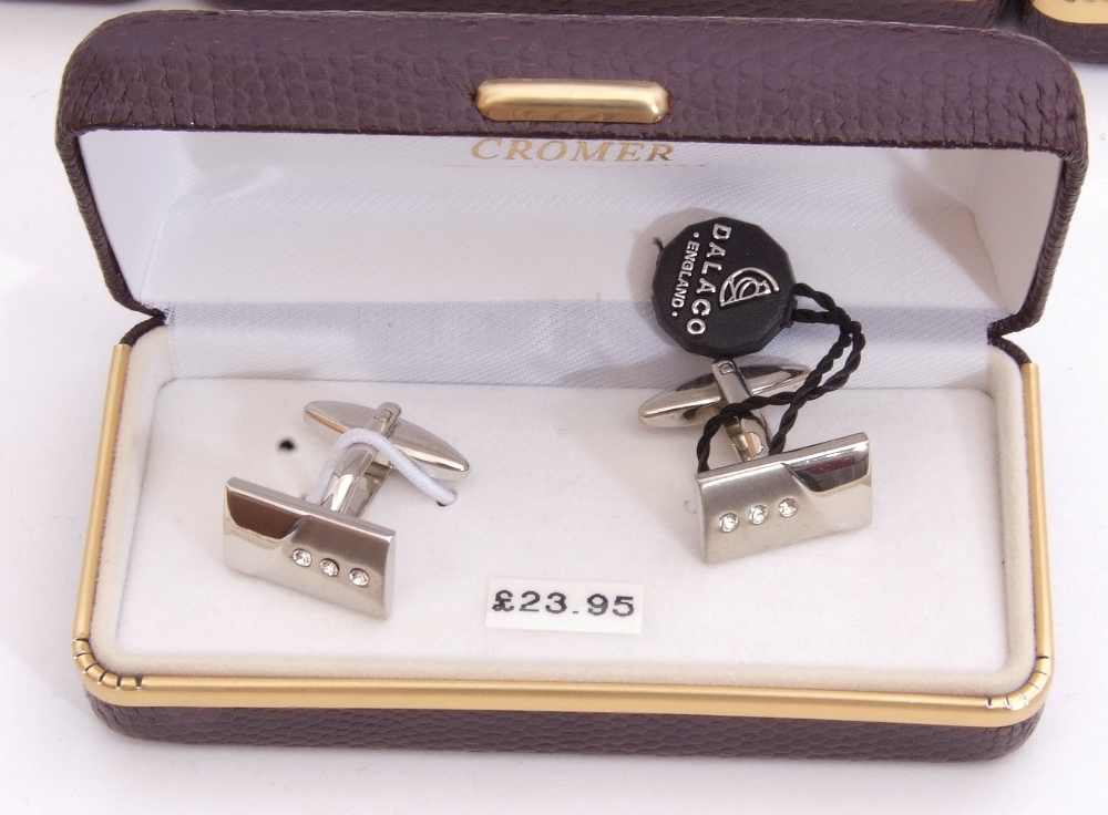 Mixed Lot: ten cased gents cuff links - Image 4 of 4