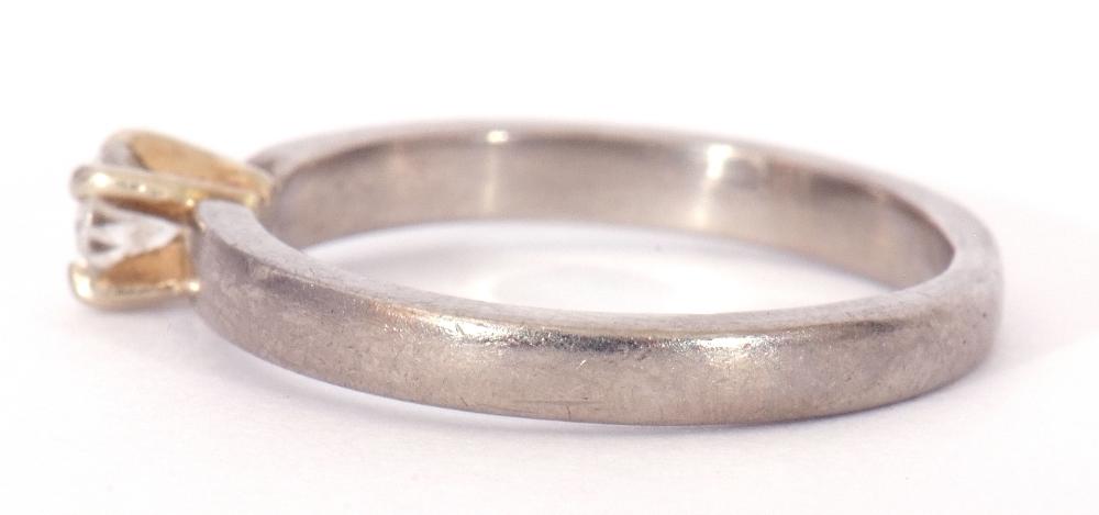 Precious metal single stone diamond ring featuring a round brilliant cut diamond, 0.20ct approx, - Image 4 of 7
