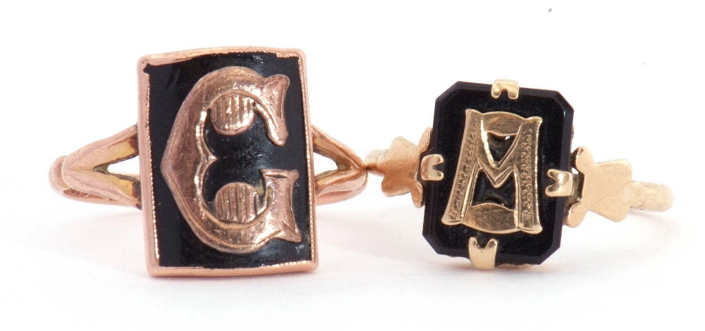 """Mixed Lot: two 9ct stamped memoriam rings, a black enamel example applied with the letter """"C"""","""
