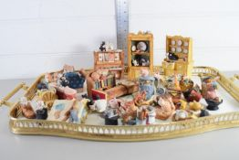 TRAY CONTAINING SMALL ANIMAL FIGURES