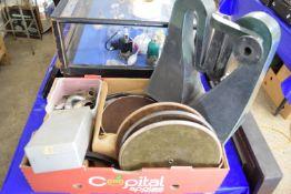 BOX CONTAINING VINTAGE GRAMOPHONE EQUIPMENT