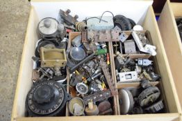 WOODEN BOX CONTAINING VINTAGE RADIO EQUIPMENT AND ACCESSORIES