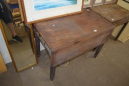 PEMBROKE TABLE WITH CARVED LEGS