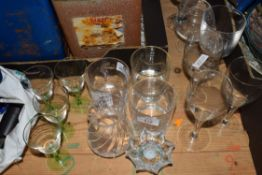 SMALL QTY OF GLASS WARES