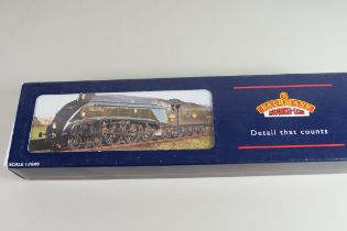 """Boxed Bachmann 00 gauge 31-954A """"Sir Nigel Gresley"""", single chimney, BR blue, early emblem,"""
