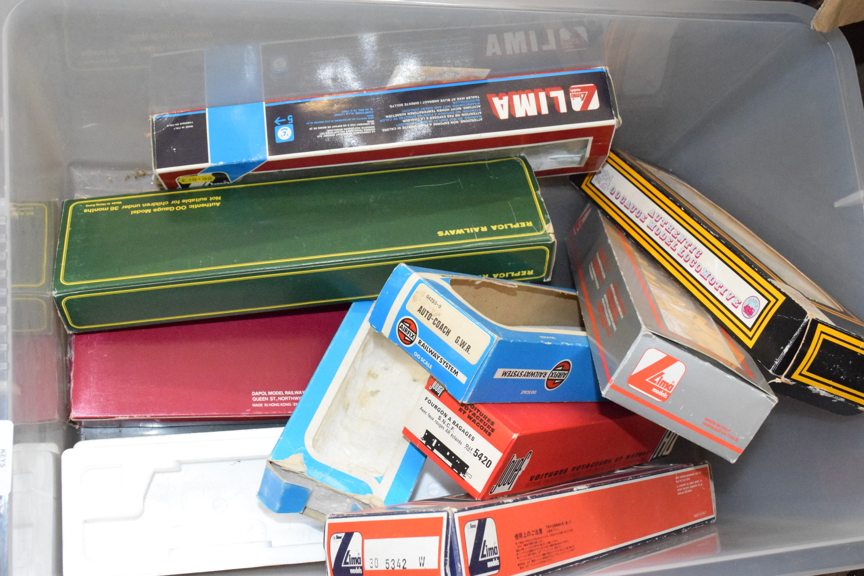 Box containing empty 00 gauge boxes, Airfix and Lima etc