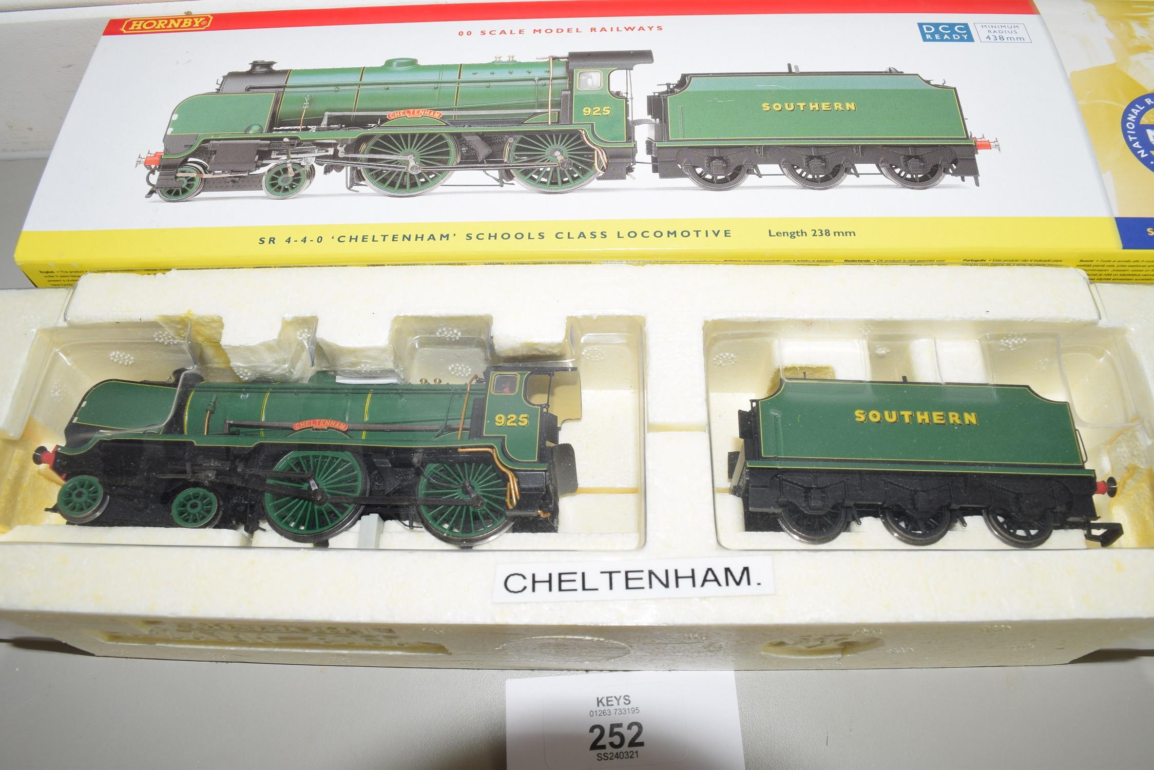 "Boxed Hornby 00 gauge R2827 SR 4-4-0 Schools class ""Cheltenham"" No 925"
